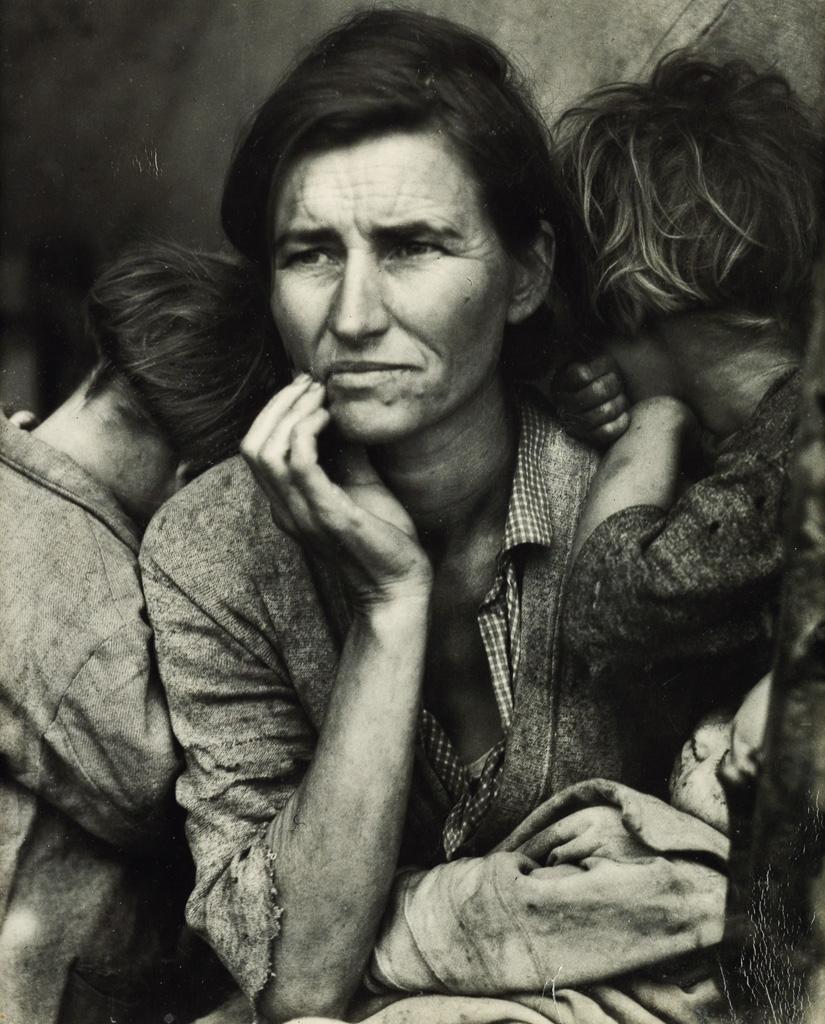 DOROTHEA LANGE (1895-1965) Migrant Mother.