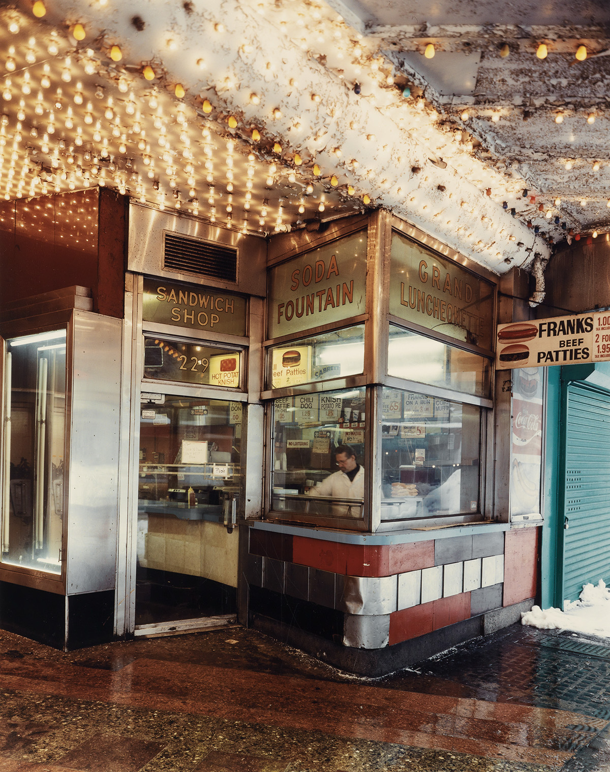 ANDREW-MOORE-(1957--)-Grand-Luncheonette-42nd-Street