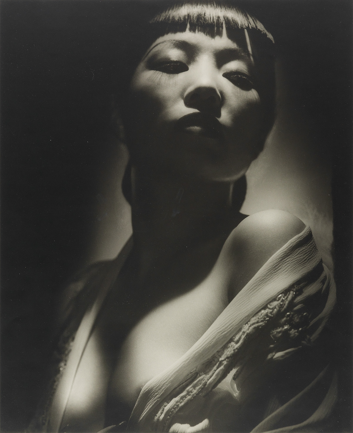 GEORGE HURRELL (1904-1992) Hurrell III: A Portfolio with 10 Photographs.
