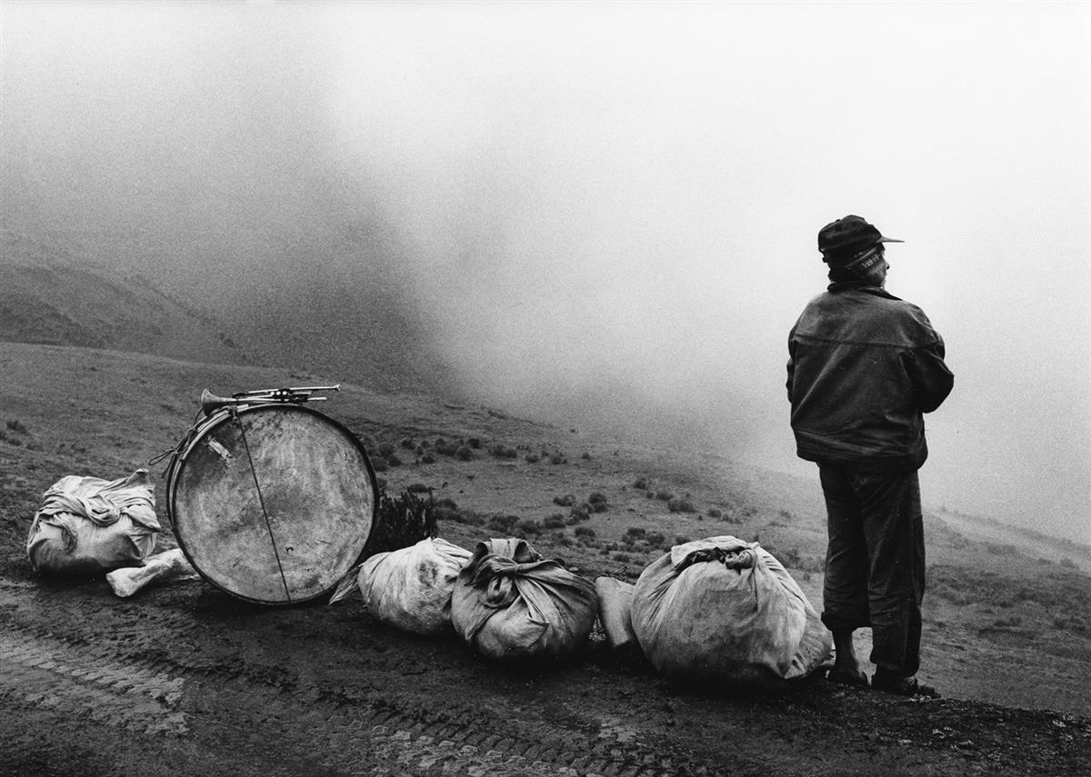 FLOR-GARDUÑO-(1957--)-Músico-en-la-Nada-[Musician-in-Nowhere