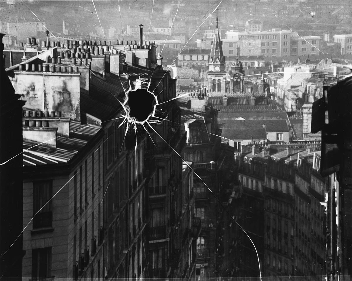 ANDRÉ KERTÉSZ (1894-1985) Broken Plate, Paris.