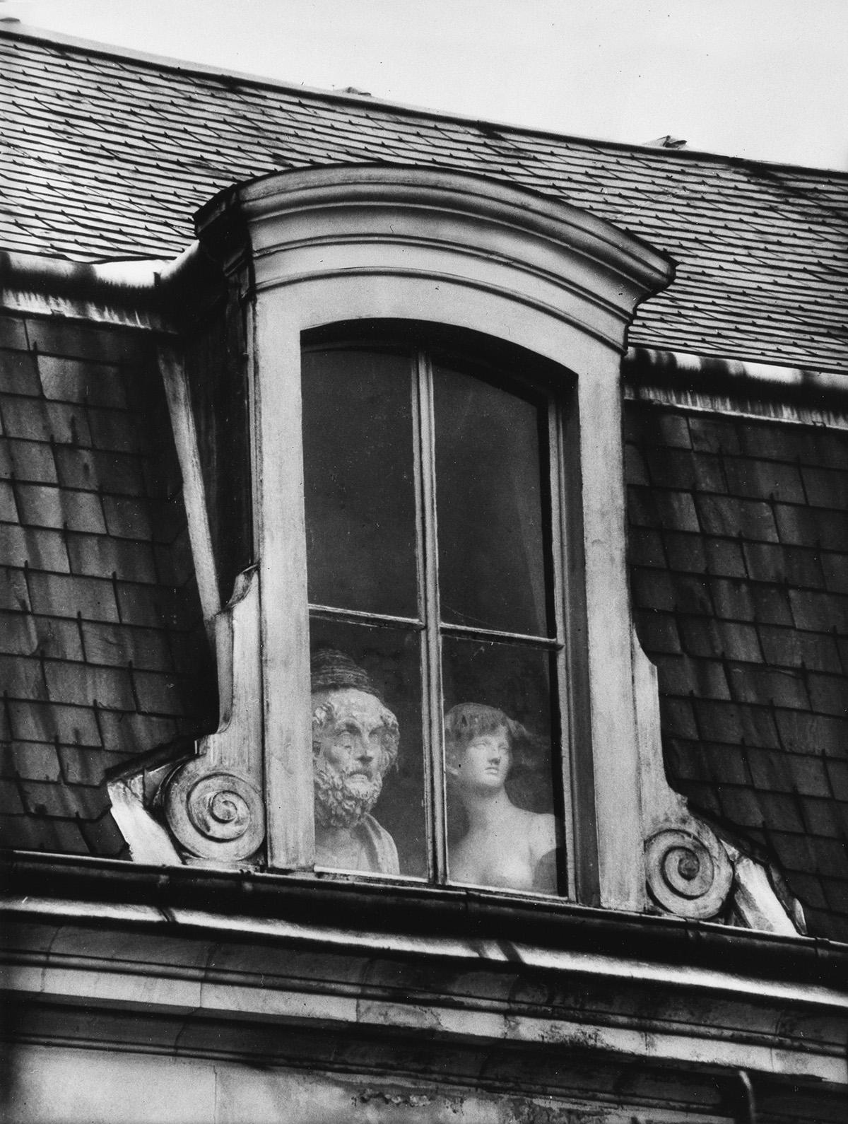 ANDRÉ-KERTÉSZ-(1894-1985)-Window-Quai-Voltaire-Paris