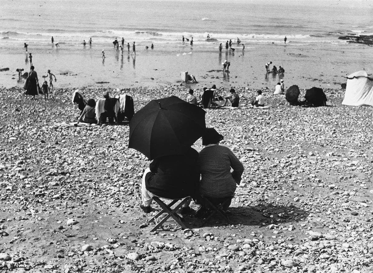ANDRÉ-KERTÉSZ-(1894-1985)-Dieppe