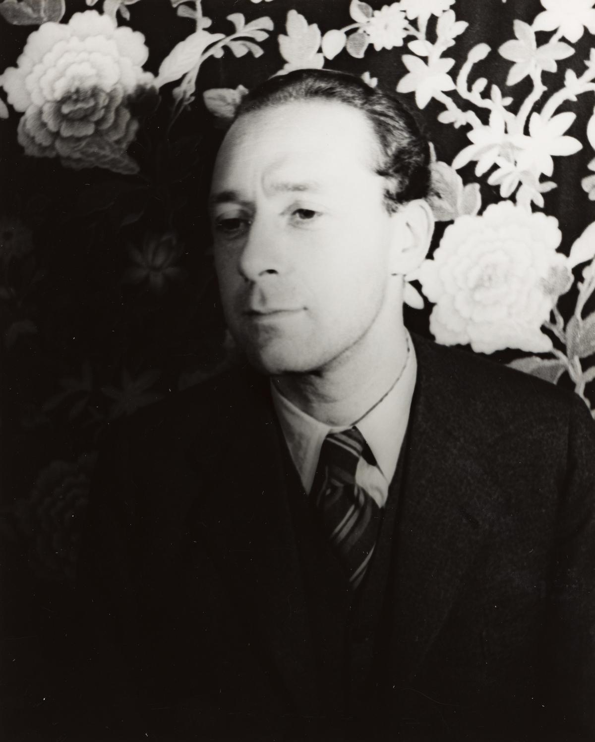 CARL VAN VECHTEN (1880-1964) Pavel Tchelitchew.