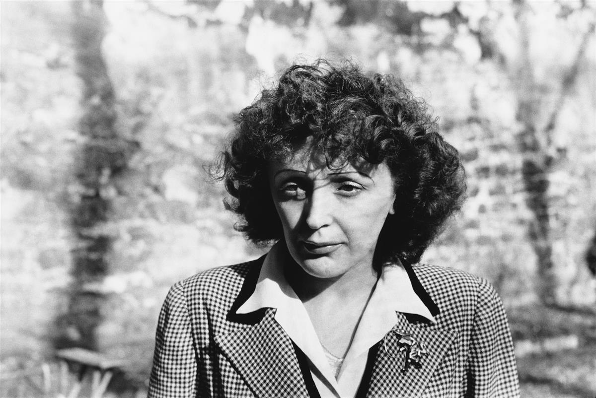 HENRI CARTIER-BRESSON (1908-2004) Edith Piaf.