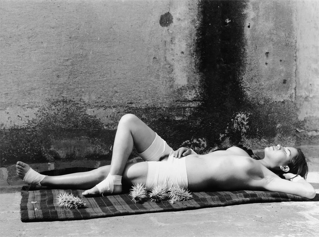 MANUEL ÁLVAREZ BRAVO (1902-2002) La Buena Fama Durmiendo [The Good Reputation Sleeping].