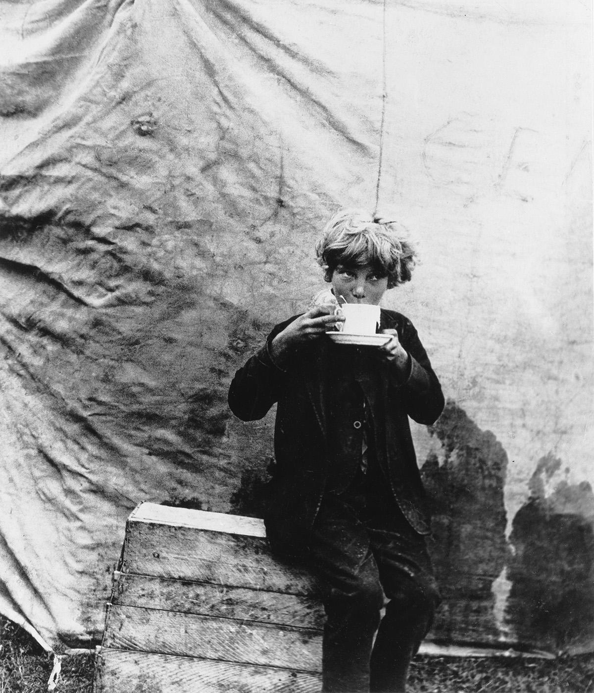 BILL-BRANDT-(1904-1983)-Circus-Boyhood
