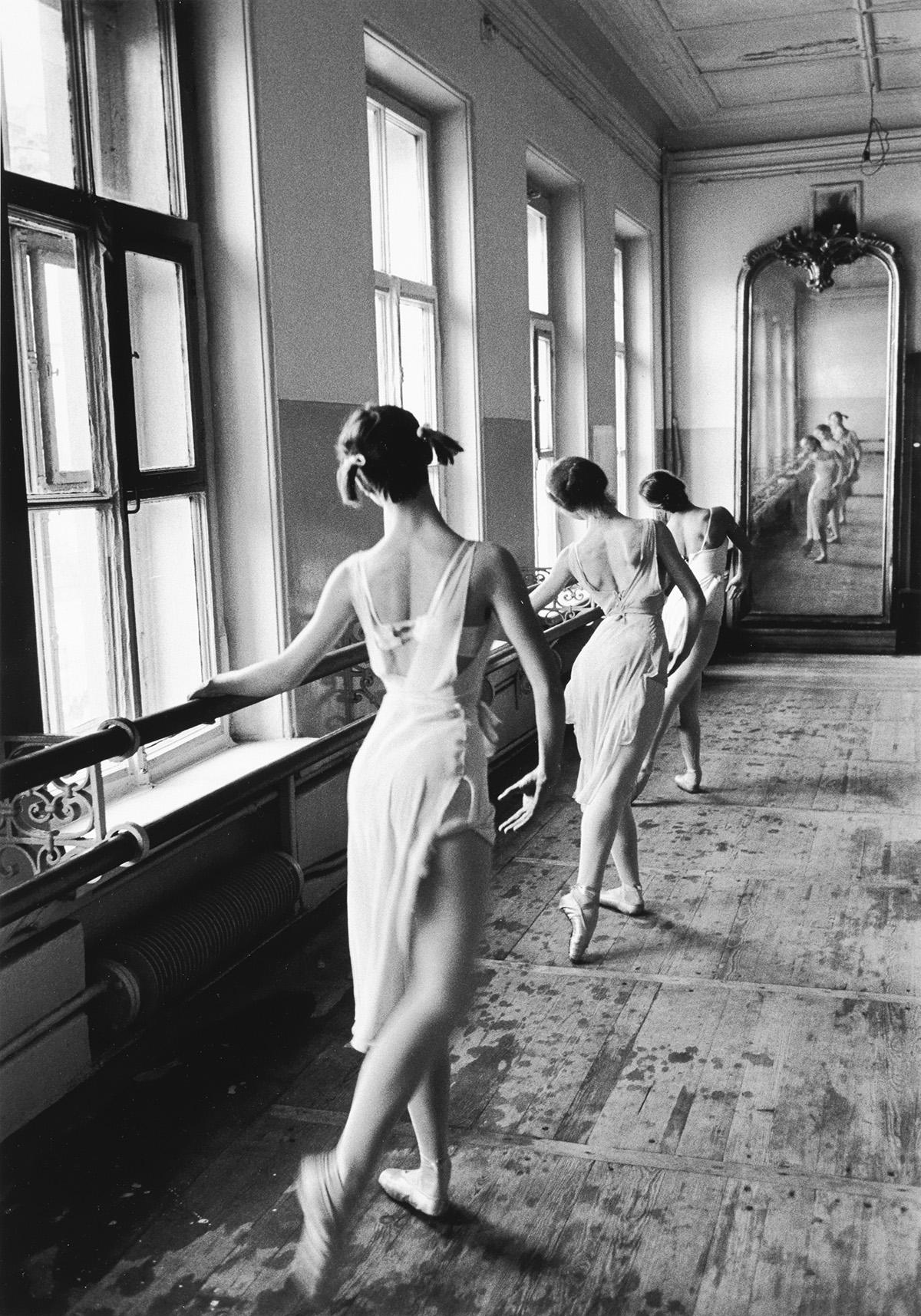 CORNELL-CAPA-(1918-2008)-Bolshoi-Ballet-School