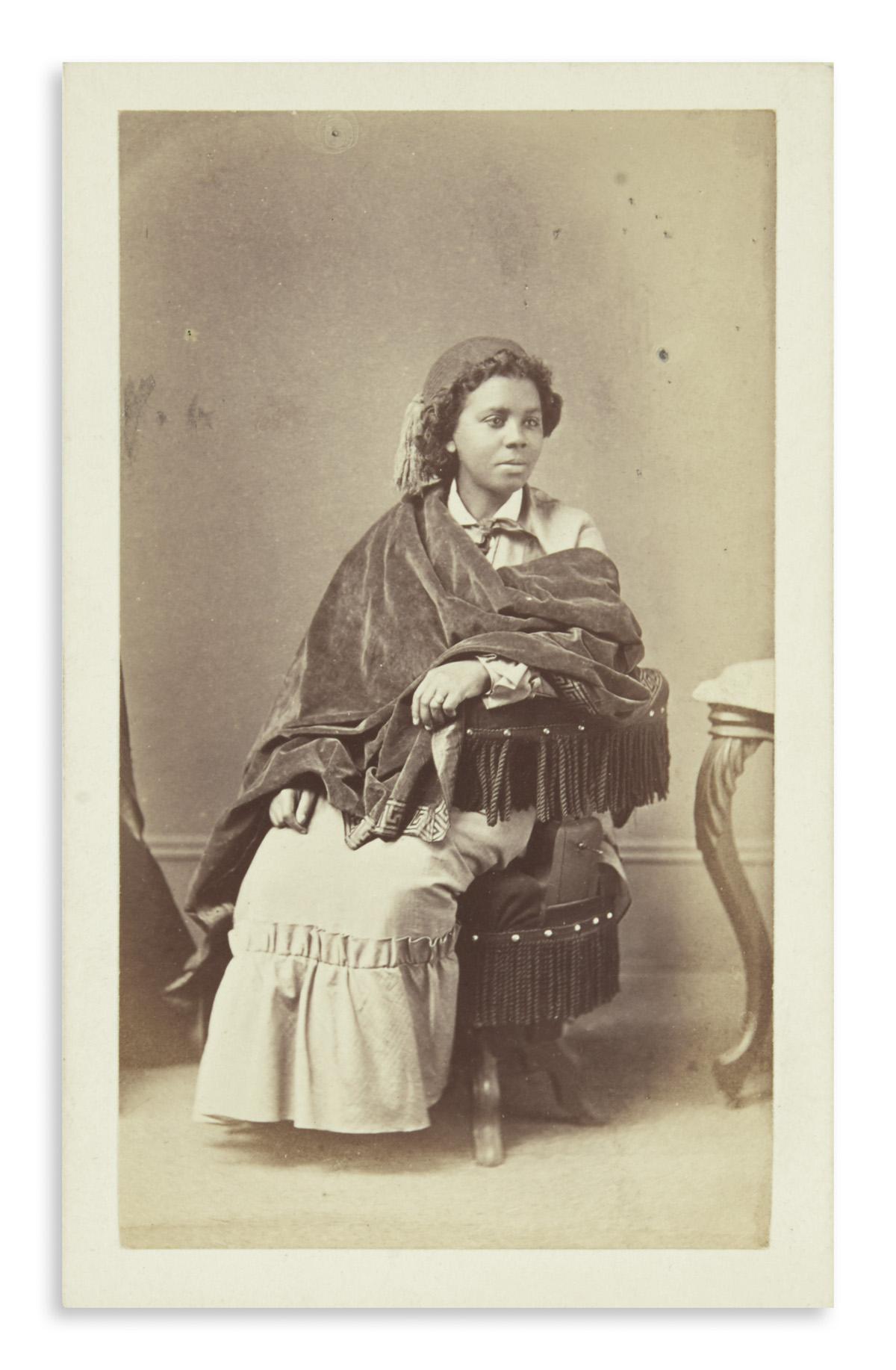 (ART)-Rocher-Henry;-photographer-Carte-de-visite-portrait-of-the-sculptor-Edmonia-Lewis