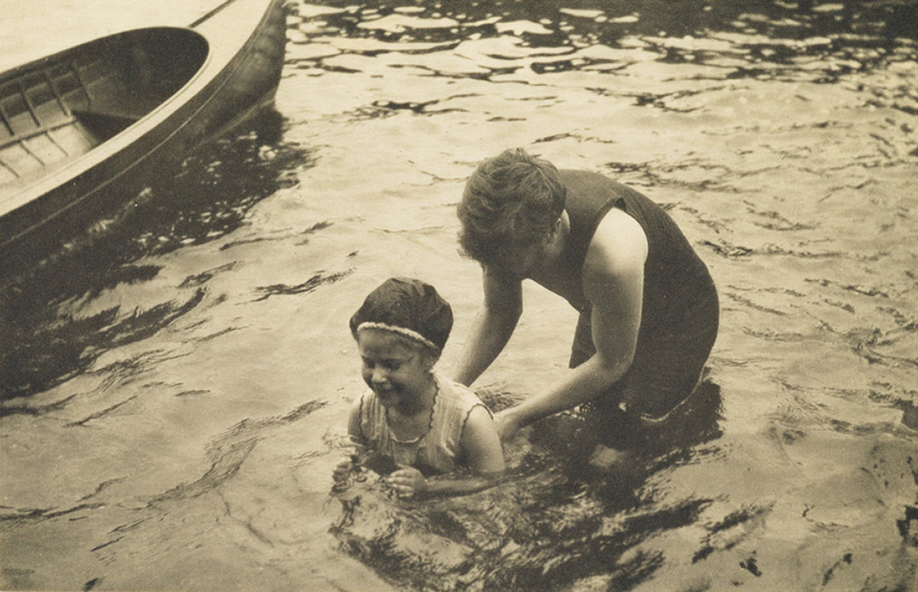 ALFRED-STIEGLITZ-(1864-1946)-Ferry-Boat--The-Mauritania--Old-and-New-New-York--Swiming-Lesson