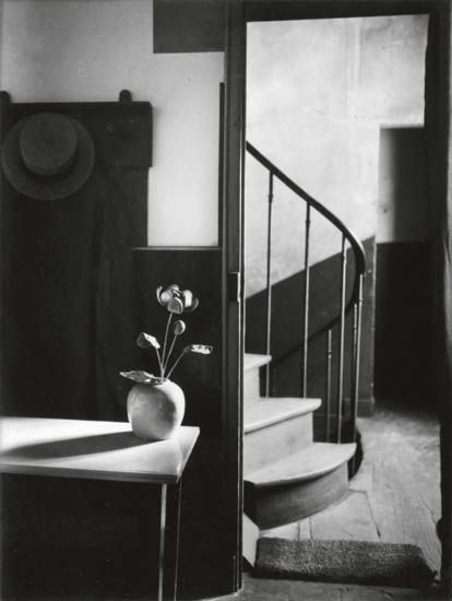 KERTÉSZ-ANDRÉ-(1894-1985)-Chez-Mondrian