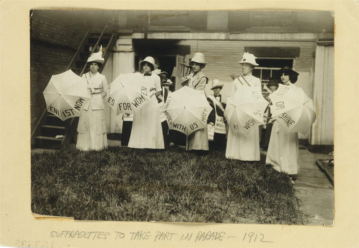 (SUFFRAGISTS)-6-photos-related-to-women-demanding-the-right-