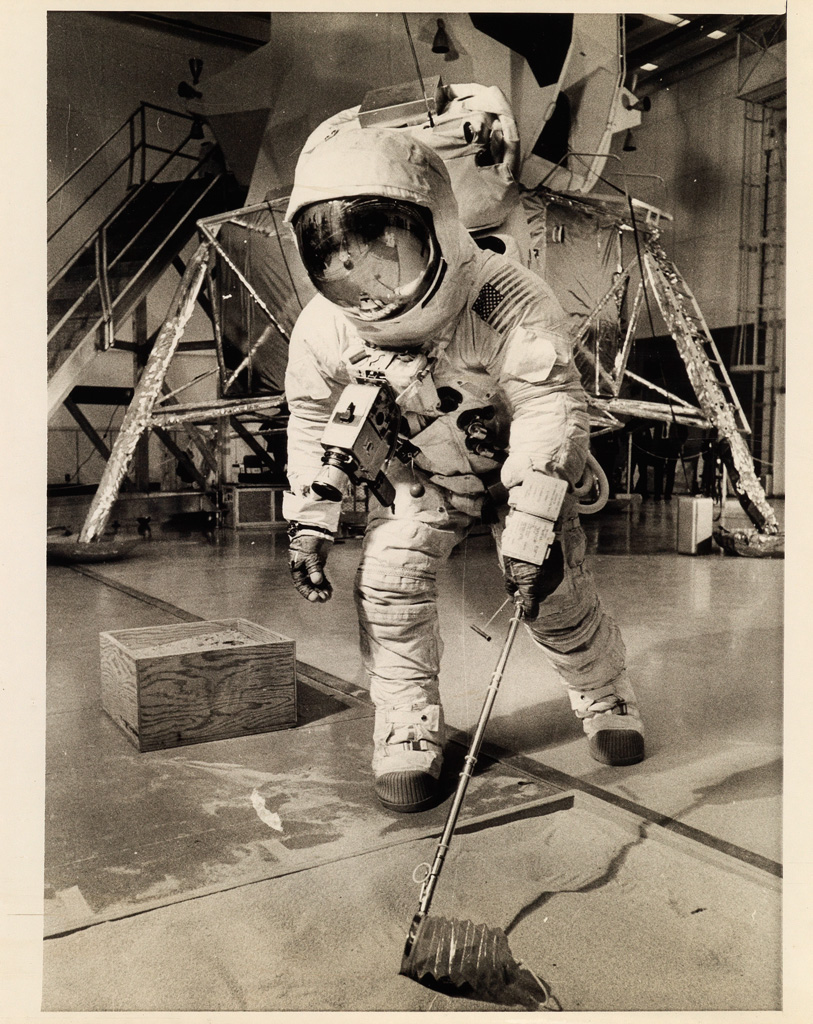 (NASA)-Archive-of-approximately-1540-NASA-photographs-which-