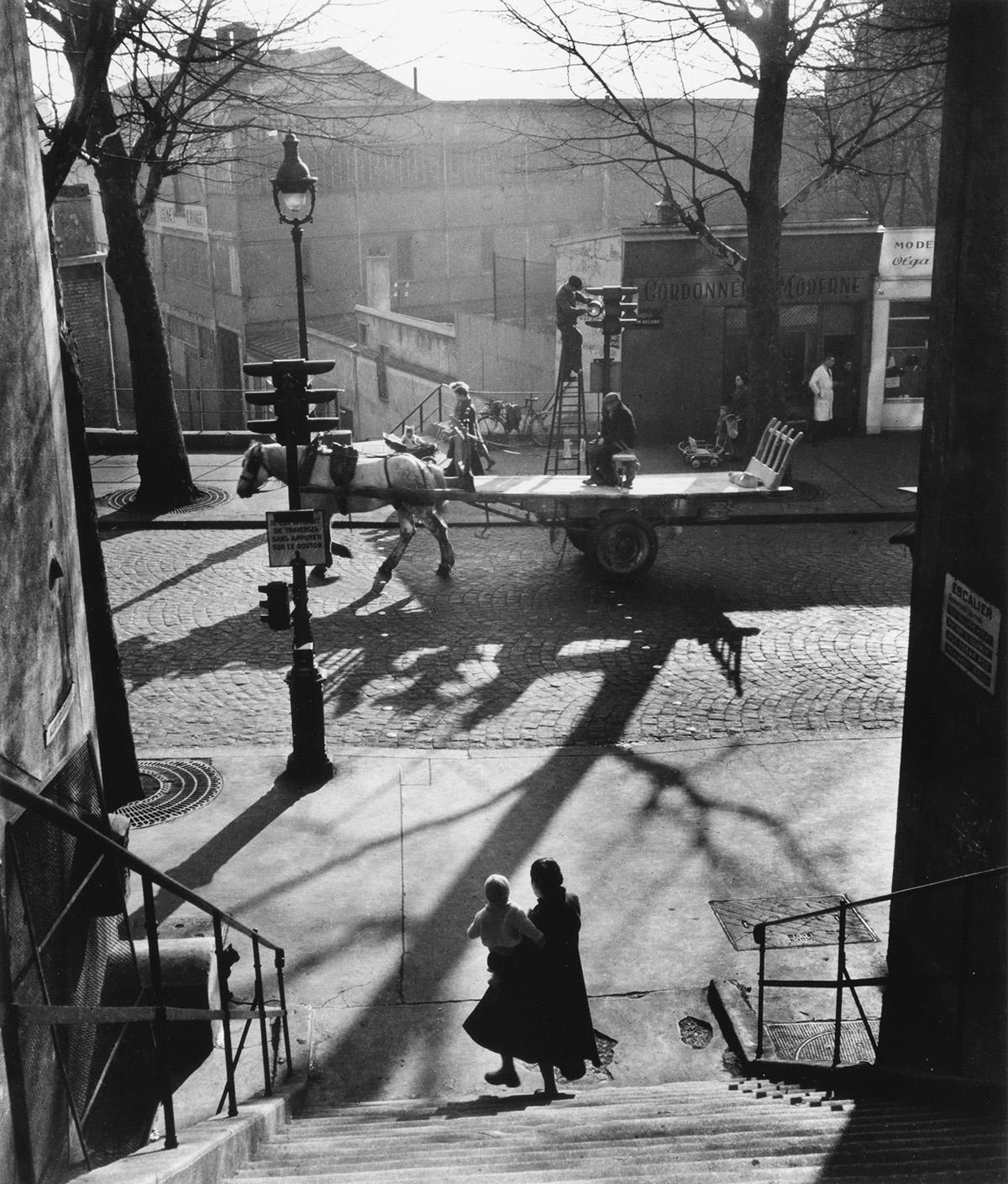 WILLY-RONIS-(1910-2009)-Avenue-Simon-Bolivar