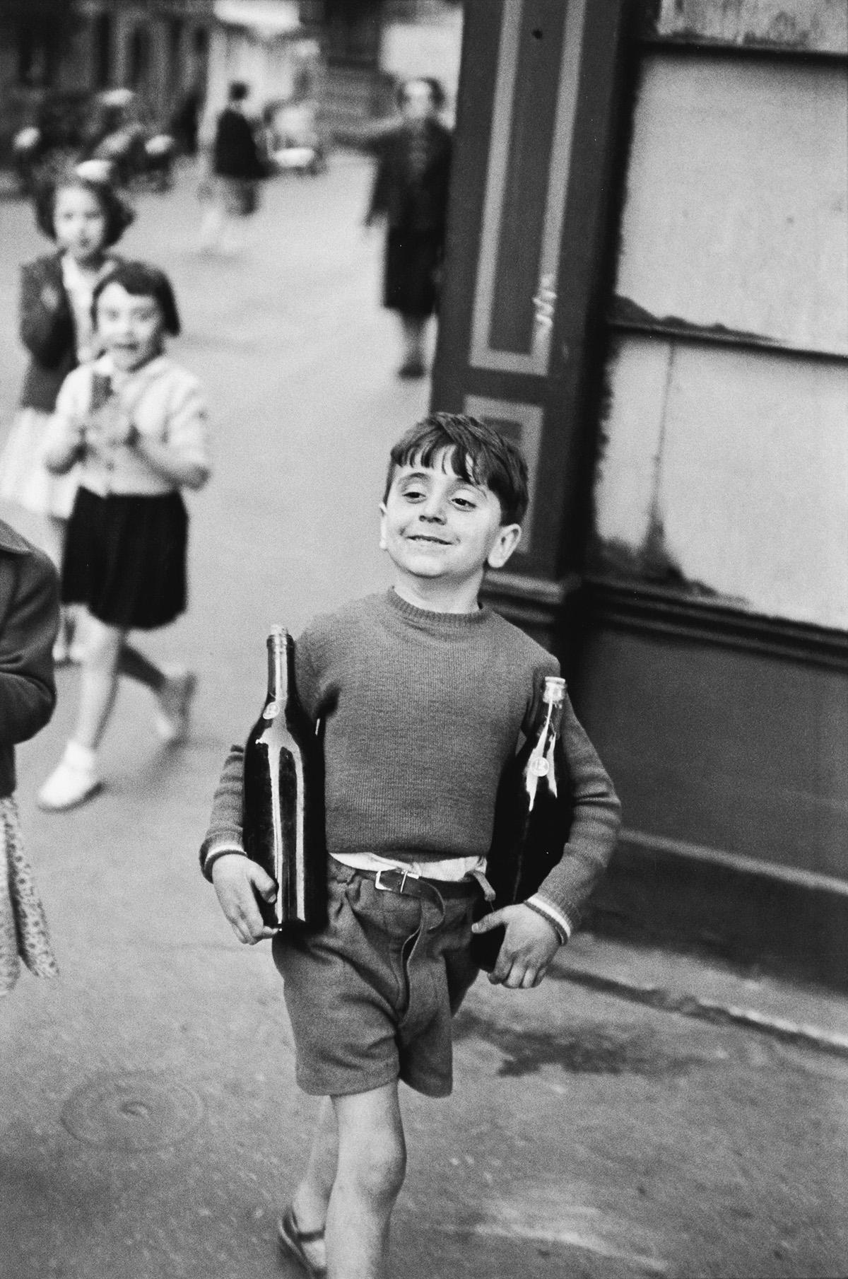 HENRI CARTIER-BRESSON (1908-2004) Rue Mouffetard, Paris.