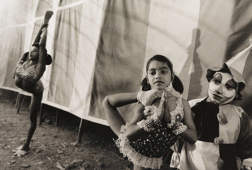 MARY ELLEN MARK (1940-2015) Pinki-Shiva Ji and Laxmi, Great Royal Circus, Junagada, India * Acrobats Rehearsing, Great Golden Circus, A