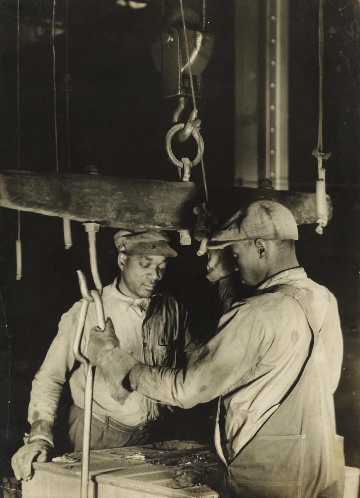 MARGARET-BOURKE-WHITE-(1904-1971)-Aluminum-Company-of-Americ