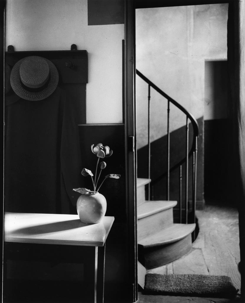 ANDRÉ KERTÉSZ (1894-1985) Chez Mondrian.