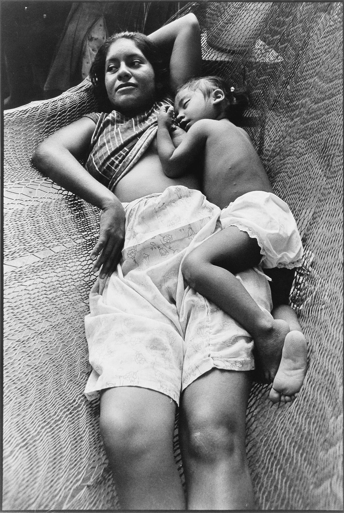 GRACIELA ITURBIDE (1942- ) Choice suite of 5 photographs from Mujeres de Juchitan.