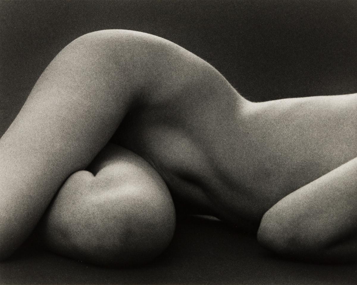 RUTH-BERNHARD-(1905-2006)-Hips-Horizontal