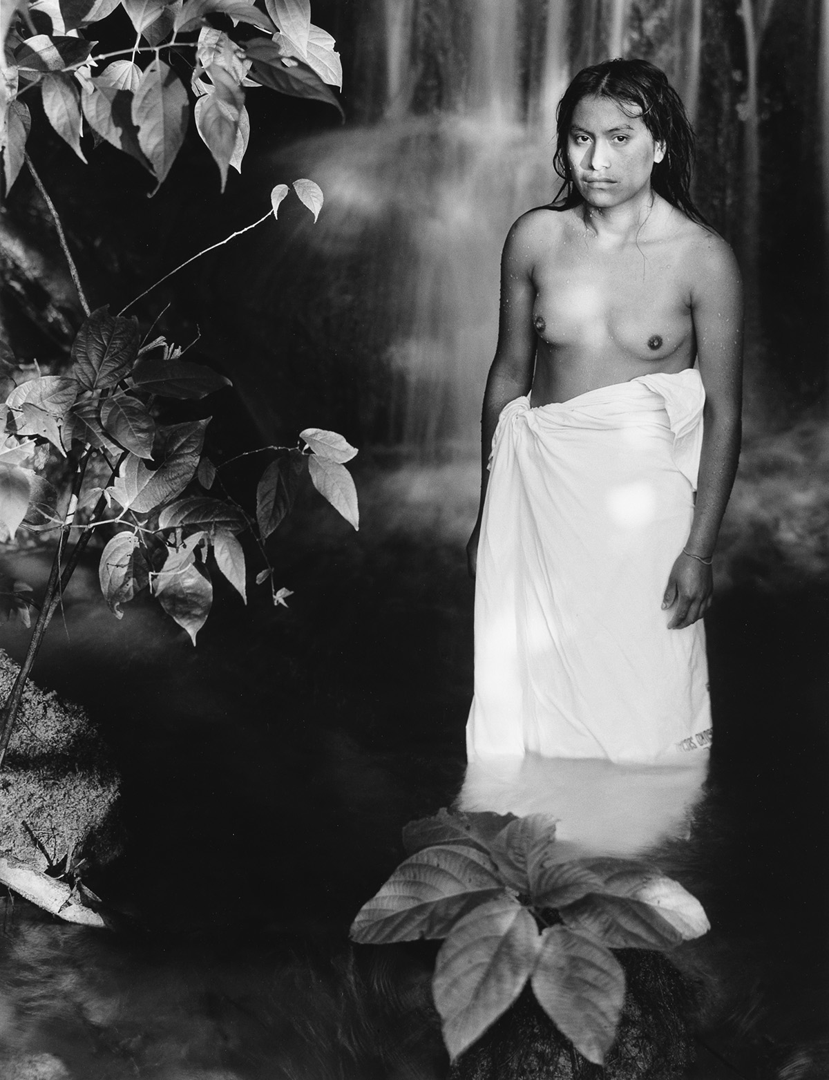 FLOR-GARDUÑO-(1957--)-Suite-of-18-photographs-from-the-Witne