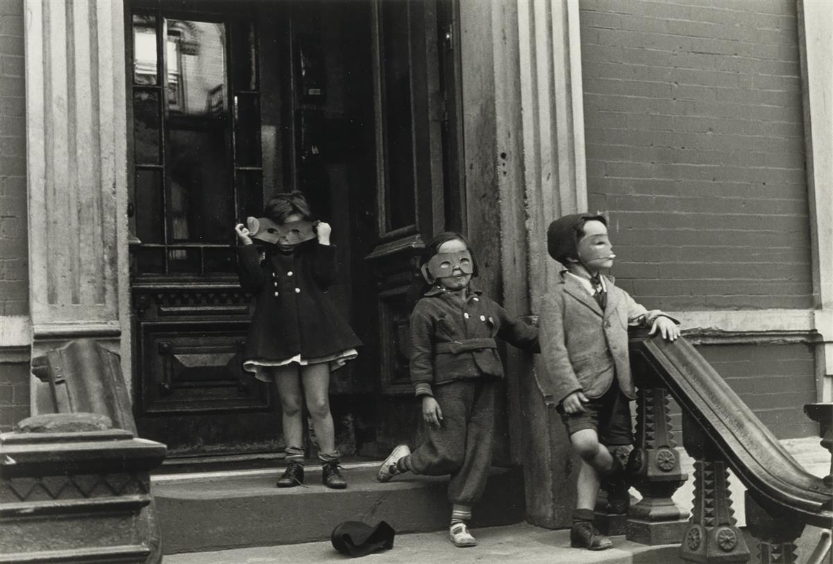 HELEN LEVITT (1913-2009) N.Y. (children in masks).