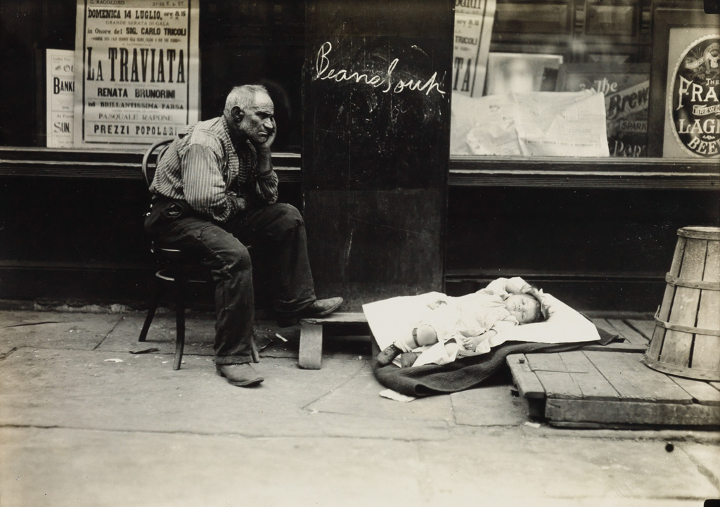 LEWIS W. HINE (1874-1940) Hot day on East Side, New York.
