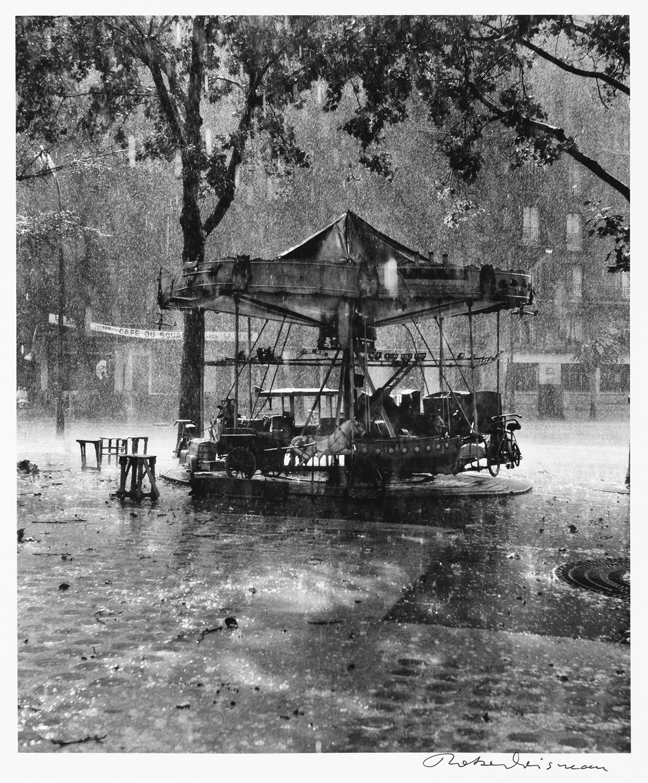 ROBERT-DOISNEAU-(1912-1994)-Le-Manège-de-Monsieur-Barré-[Mr-