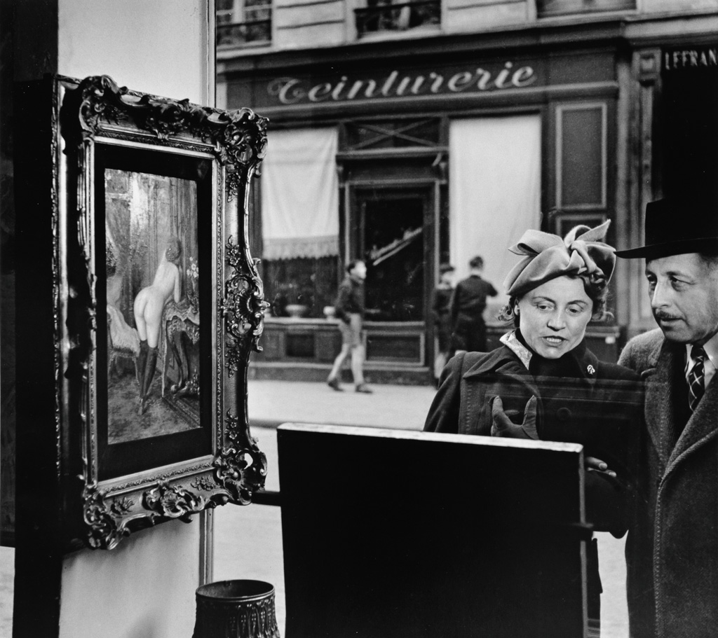 ROBERT DOISNEAU (1912-1994) Un Regard Oblique [A Sideways Glance].