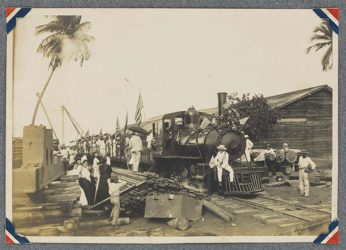 (PUERTO RICO) Album with 130 photographs depicting the beautiful island of Puerto Rico, including its hardworking citizens, busy cities