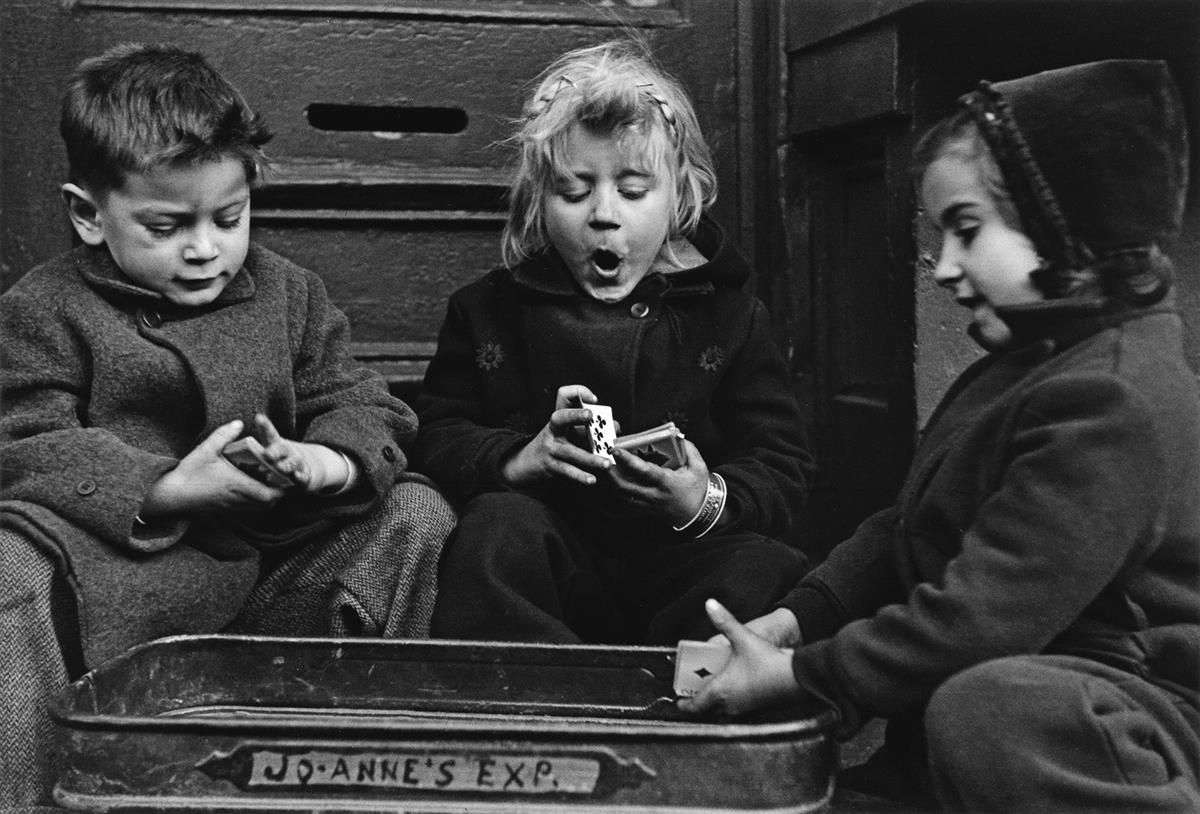 (RUTH ORKIN) (1921-1985) The Card Players, a suite of 6 photographs.