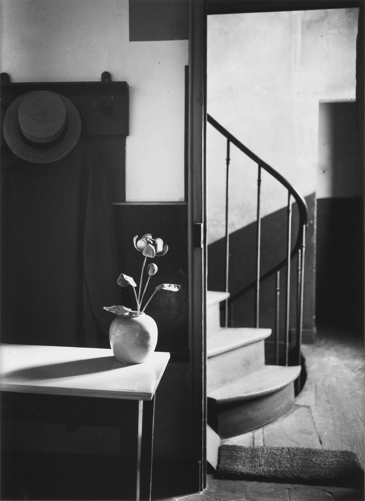 ANDRÉ-KERTÉSZ-(1894-1985)-Chez-Mondrian