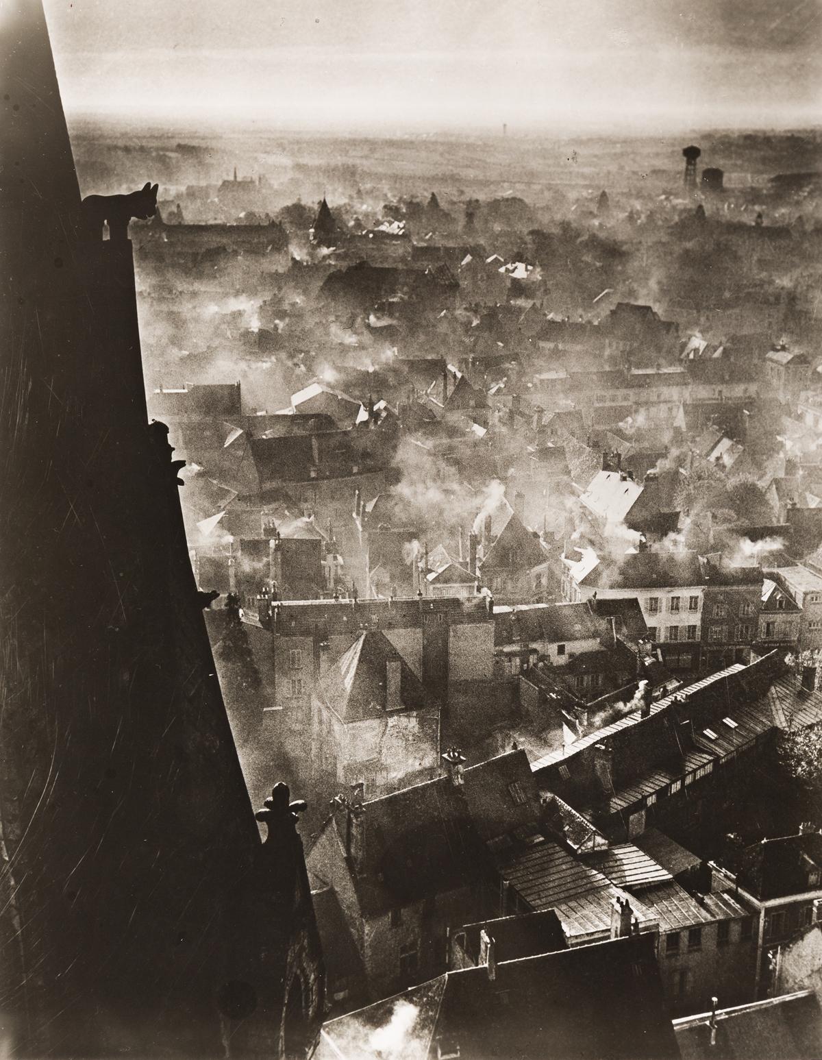 BRASSAÏ-(1899-1984)-Chartres-en-Hiver-[Chartes-in-Winter]