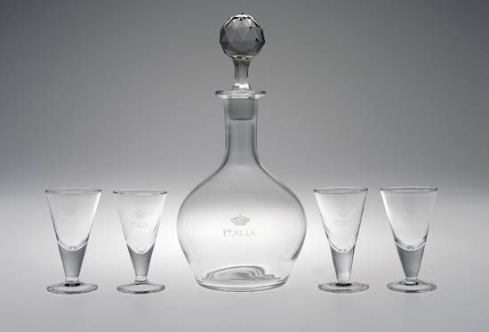 (ITALIAN LINE.) Group of 6 pieces of glassware for table use.
