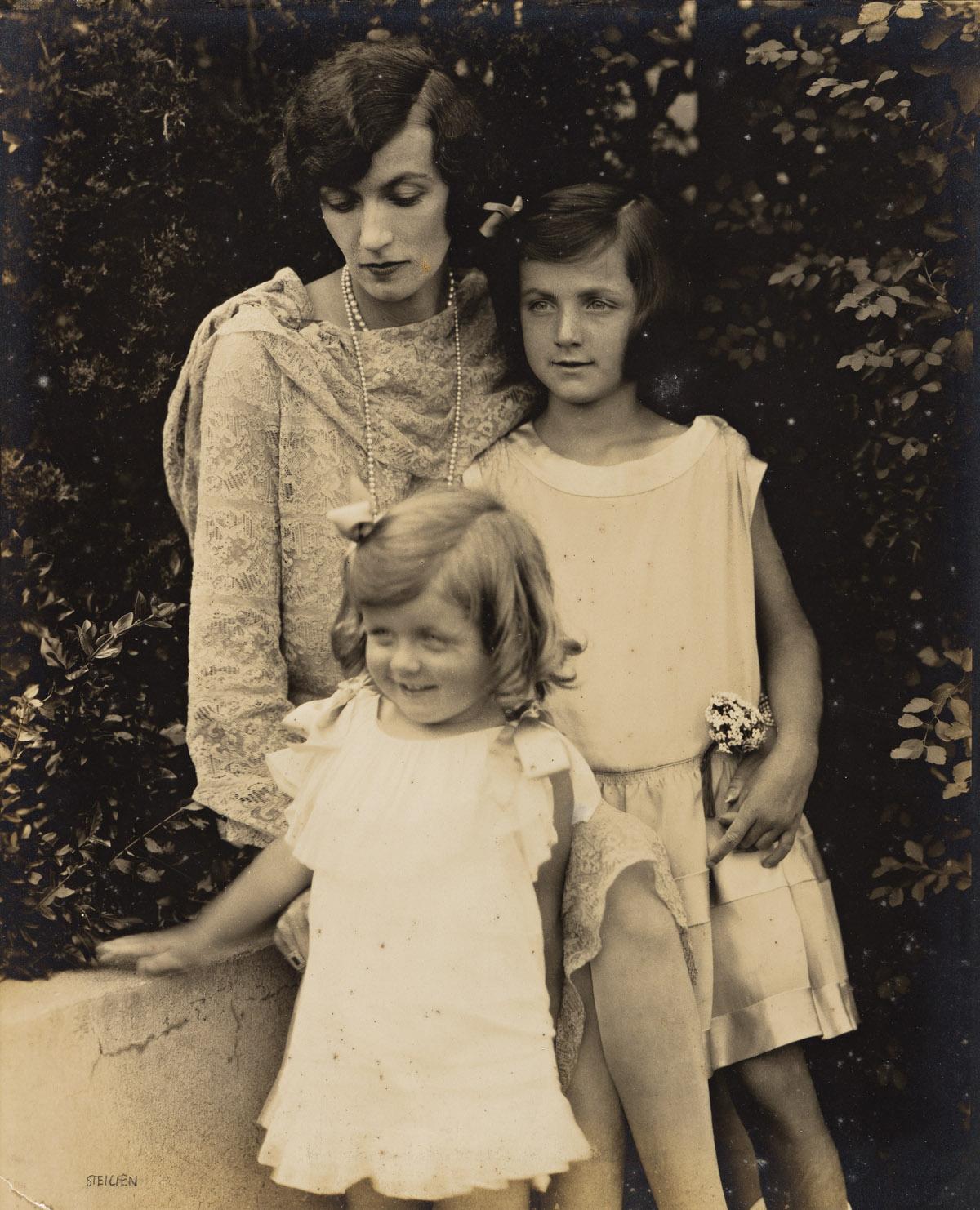 EDWARD STEICHEN (1879-1973) Kendall Lee with Children.