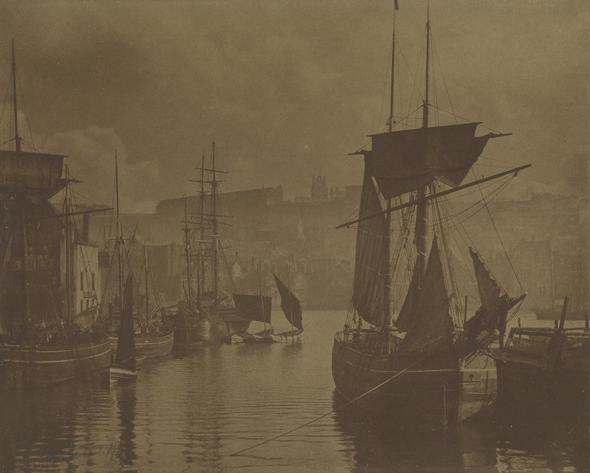 FRANK-MEADOW-SUTCLIFFE-(1853-1941)-Whitby-Harbor-The-Dock-En