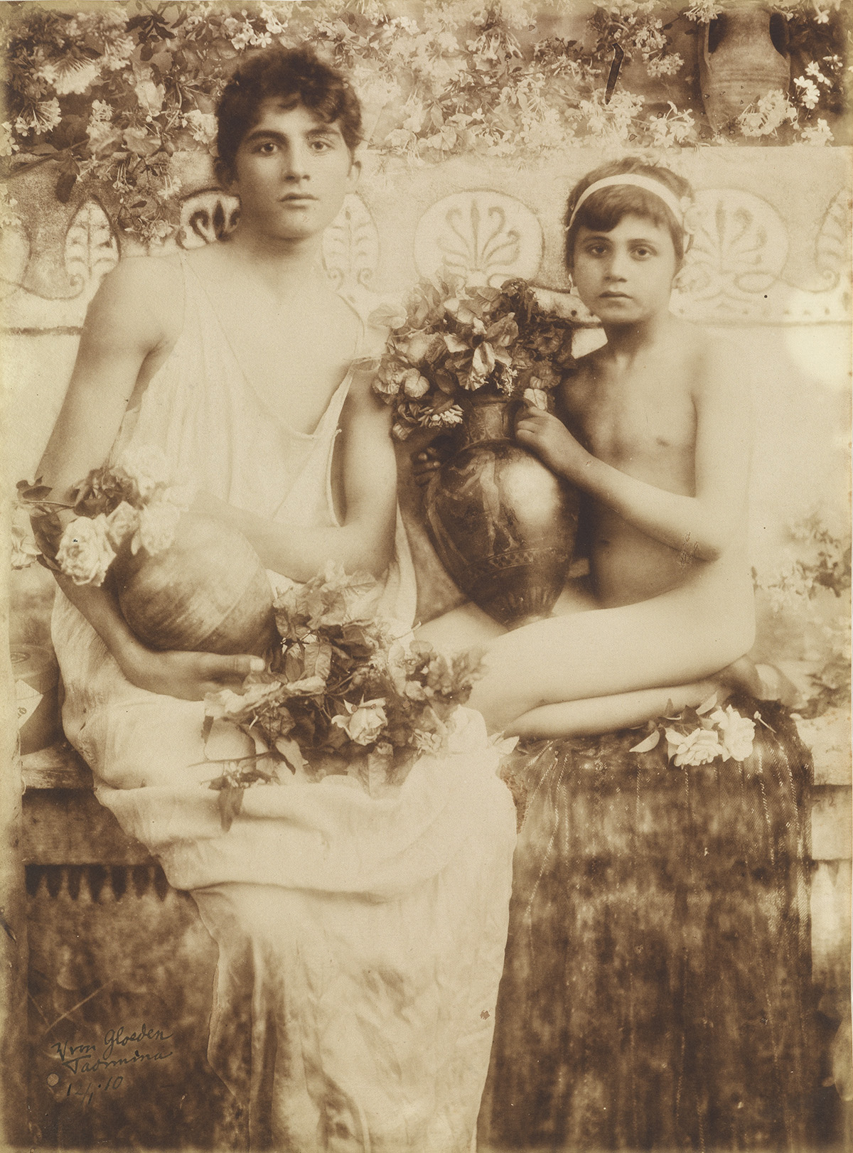 WILHELM-VON-GLOEDEN-(1856-1931)-Taormina