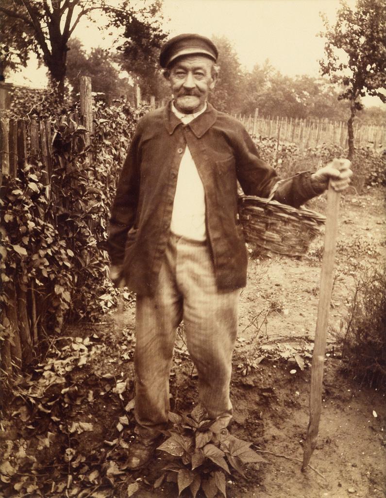 EUGÈNE ATGET (1857-1927) Payson de Châtiollon.