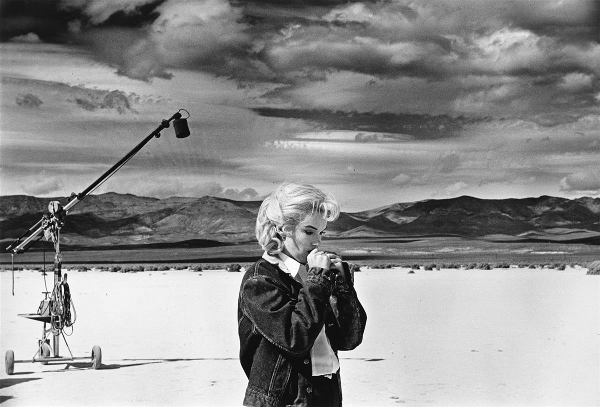 EVE ARNOLD (1912-2012) Marilyn Monroe in the Nevada desert rehearsing lines during filming of The Misfits.