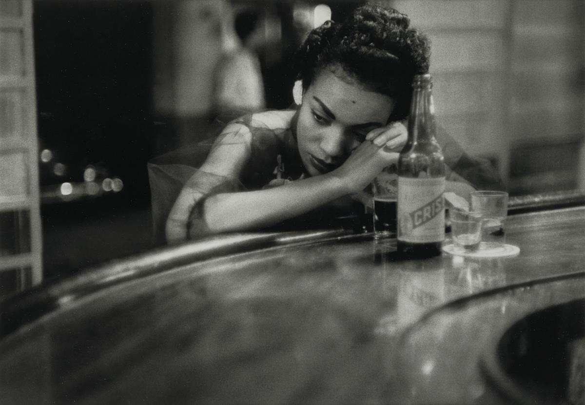 EVE-ARNOLD-(1912-2012)-Bar-Girl-Havana-Cuba
