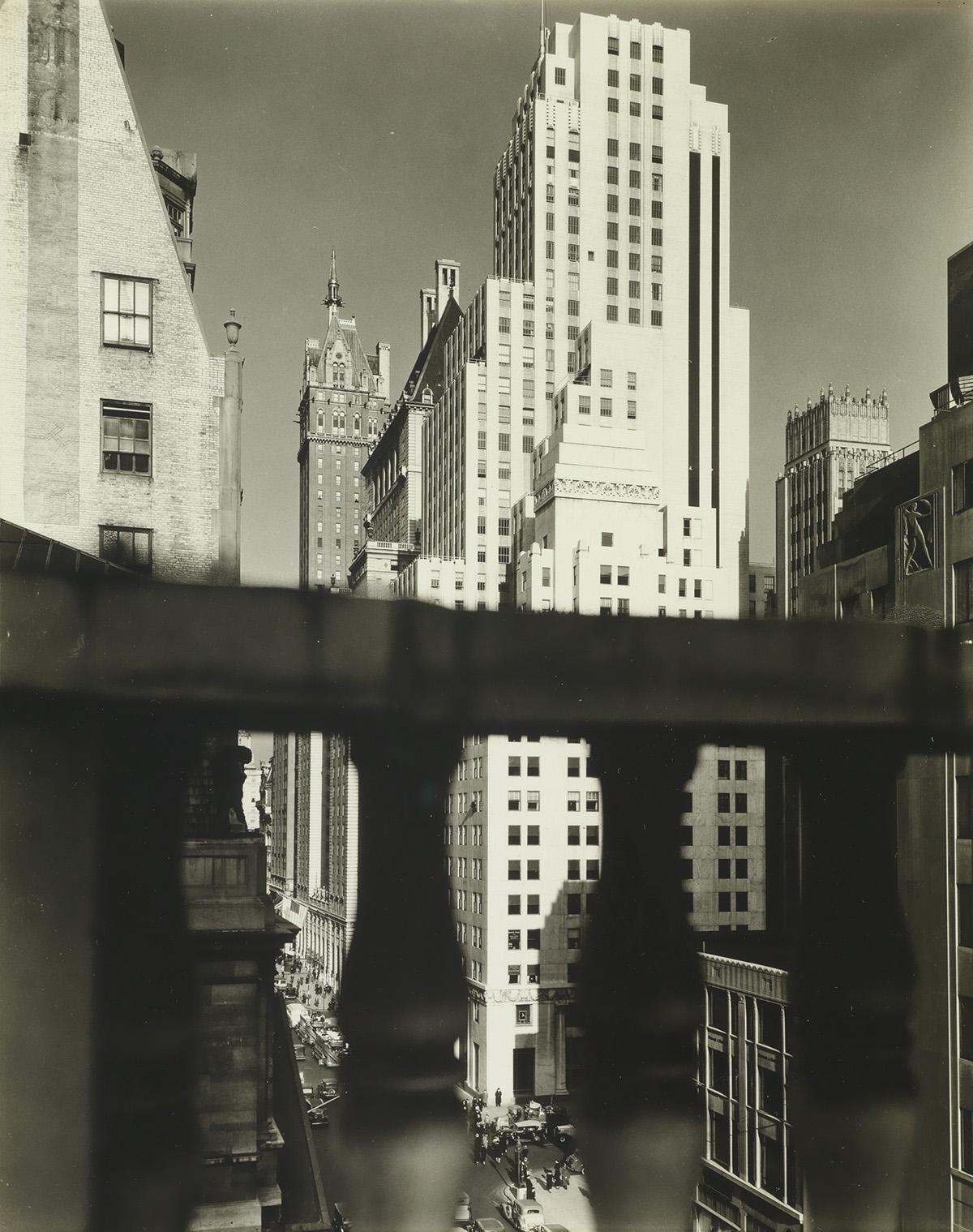 BERENICE-ABBOTT-(1898-1991)-Squibb-Building-with-Sherry-Neth