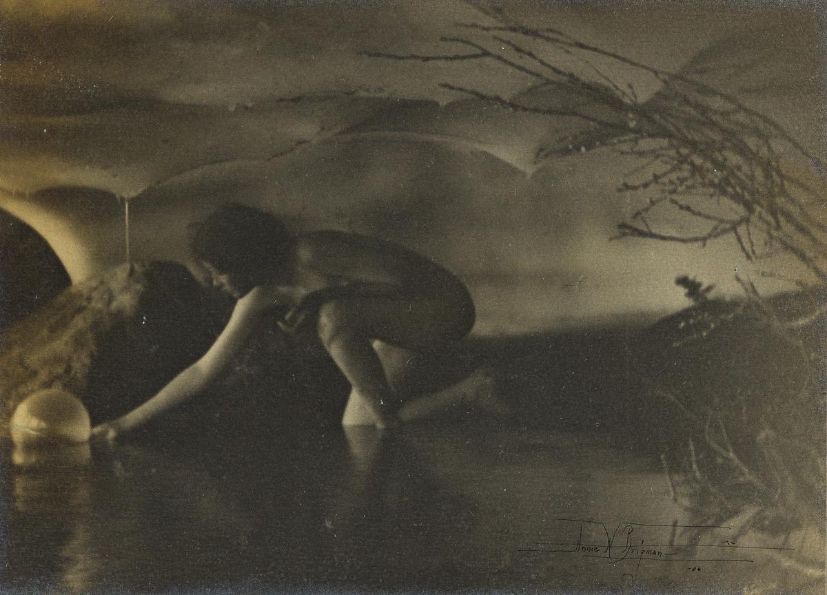 ANNE BRIGMAN (1869-1950) The Bubble.