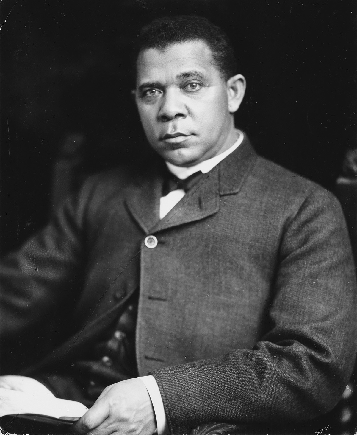 PACH-BROS-(active-1867-1947)-Portrait-of-Booker-T-Washington