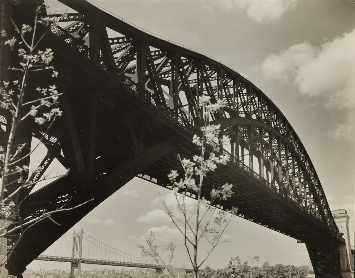 BERENICE-ABBOTT-(1898-1991)-Hell-Gate-Bridge-I