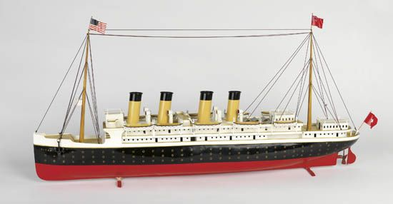 (WHITE STAR LINE.) Titanic. Large metal full hull model of the ship by Bing,