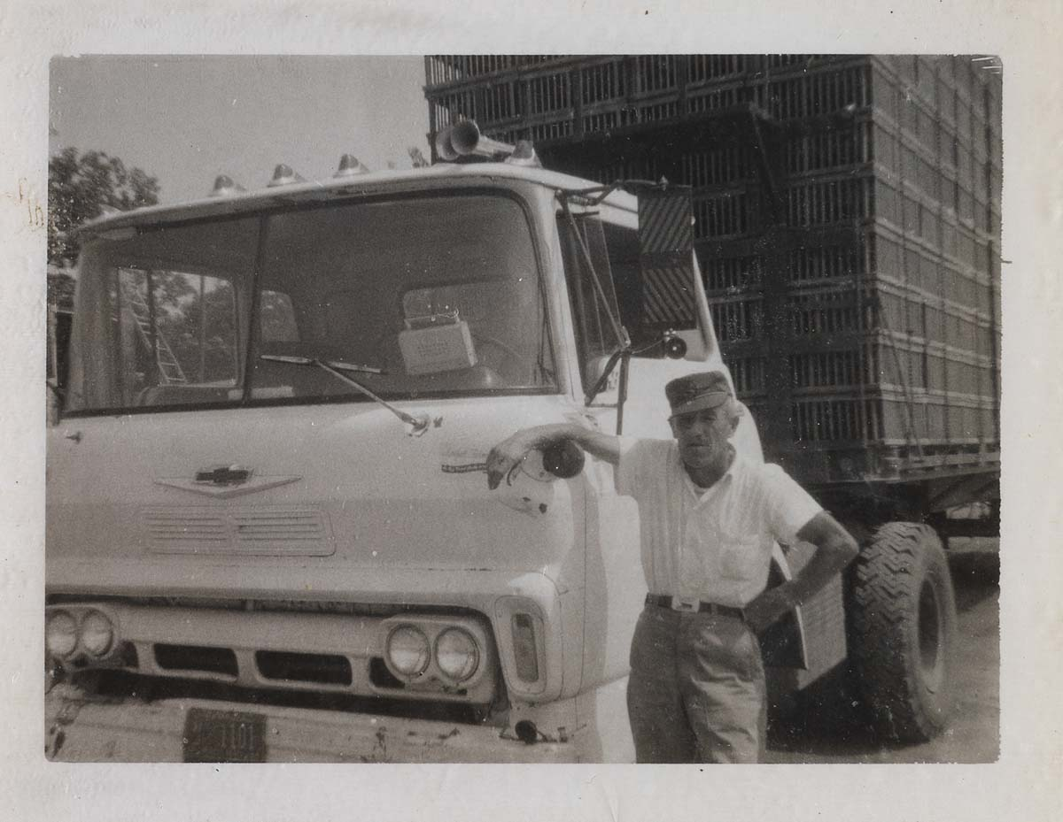 (TRUCKIN)-Album-with-70-Polaroids-portraying-a-number-of-lon