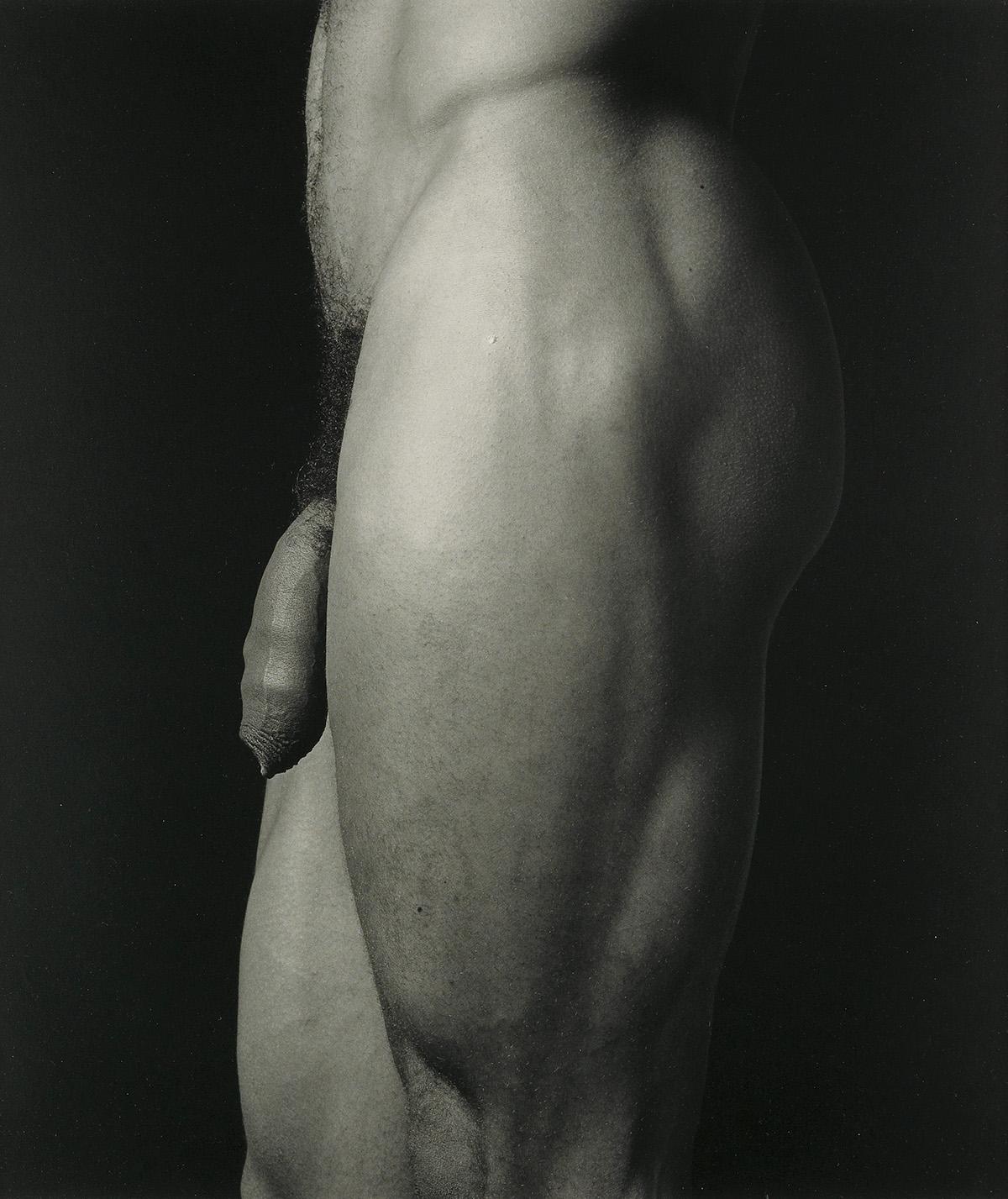 ROBERT-MAPPLETHORPE-(1946-1989)-Untitled