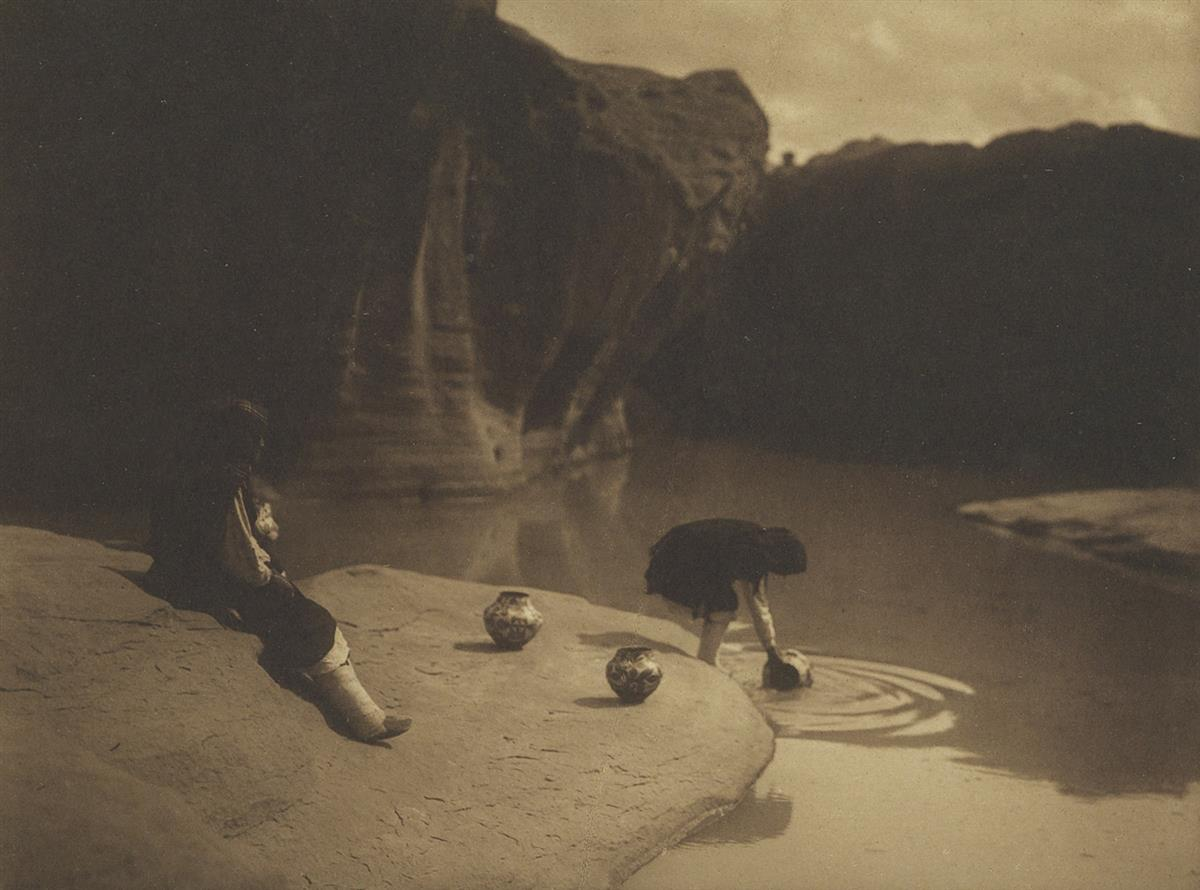 EDWARD-S-CURTIS-(1868-1952)-At-the-Old-Well-of-Acoma
