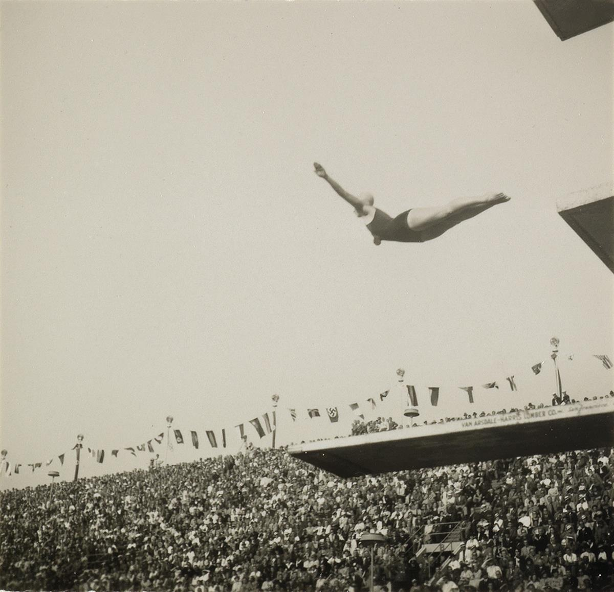 LENI-RIEFENSTAHL-(1902-2003)-Diver-Berlin-Olympics