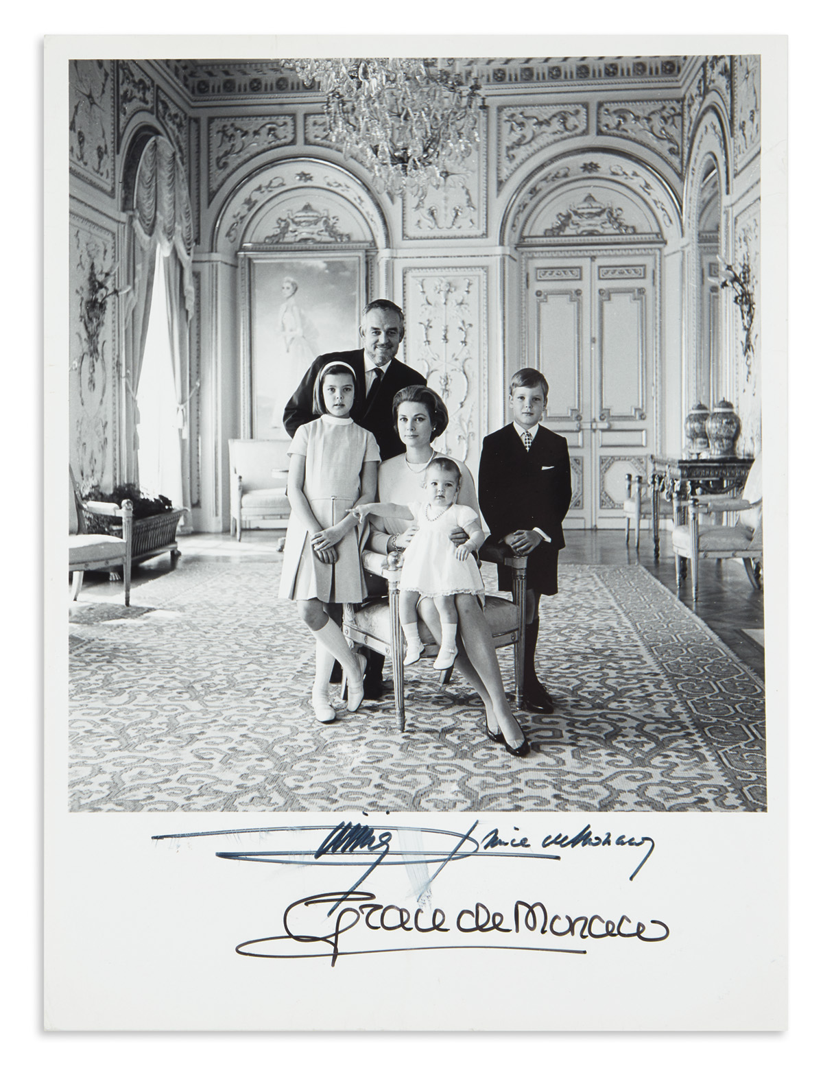 GRACE;-PRINCESS-OF-MONACO-Group-Photograph-Signed-Grace-de-M